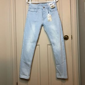 BNWT | Light Washed Jeans